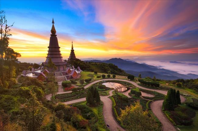 Buying Property in Thailand, Property in Thailand, houses for sale in Thailand, Thailand Property Market, Thai condo, Sansiri condo