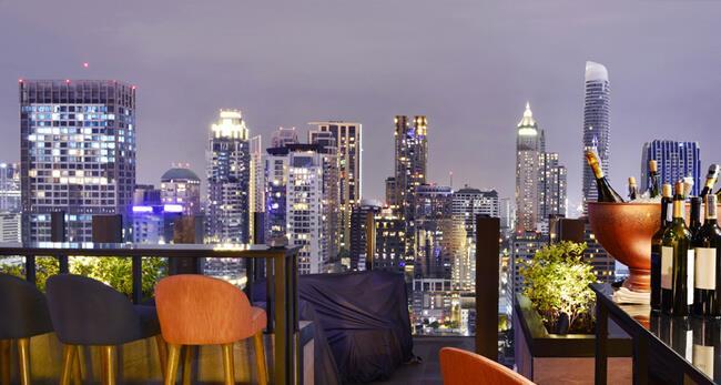 從高空酒吧眺望曼谷夜景